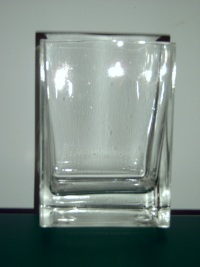 hire clear vases, hire clear heavy glass vases, hire vases